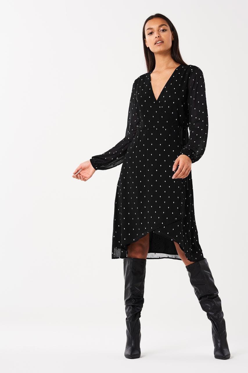 Klänningar - Köp trendiga klänningar online - Gina Tricot 0c5999e61bc86