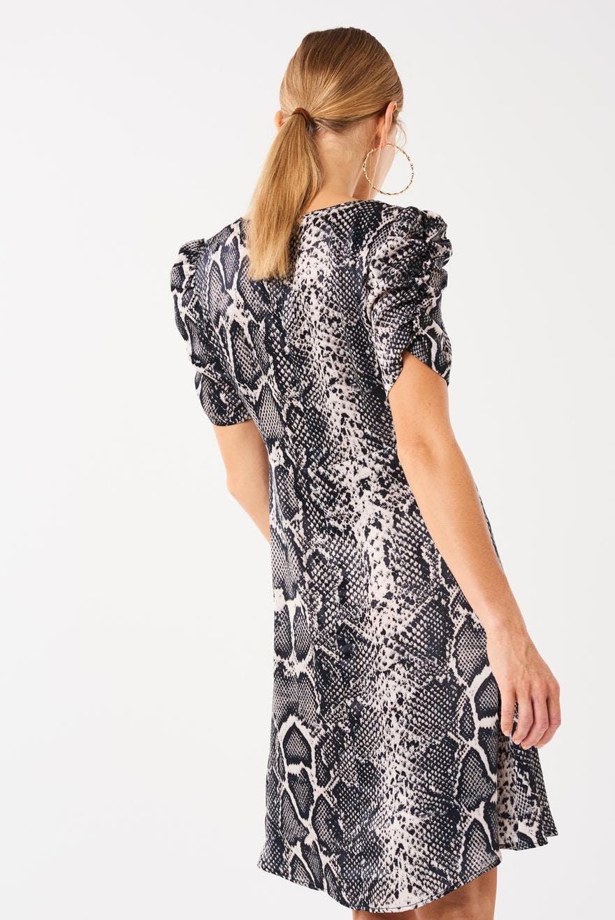 Jenina klänning 199.00 SEK 57e079b0b502f