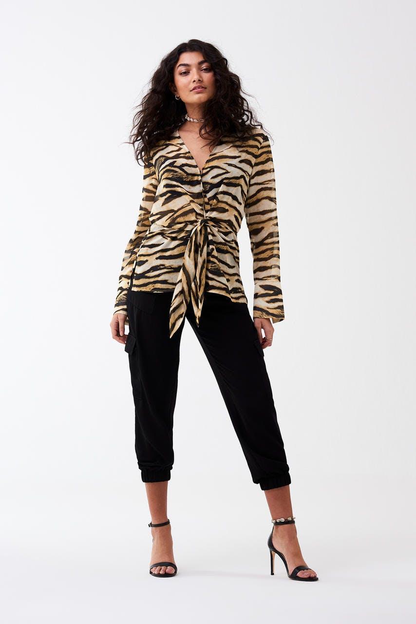 Blusar - Köp trendiga blusar - Gina Tricot 4328c31d4216a